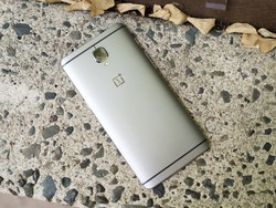 OnePlus 3 and 3T recieve early unofficial Android Oreo build