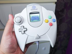 Run GameBoy Color games on an old Dreamcast VMU