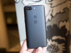 OnePlus 5T is finally getting the Android Oreo beta update