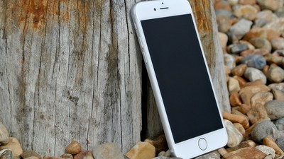iOS update breaks touch functionality on iPhone 8s with 3rd party screens